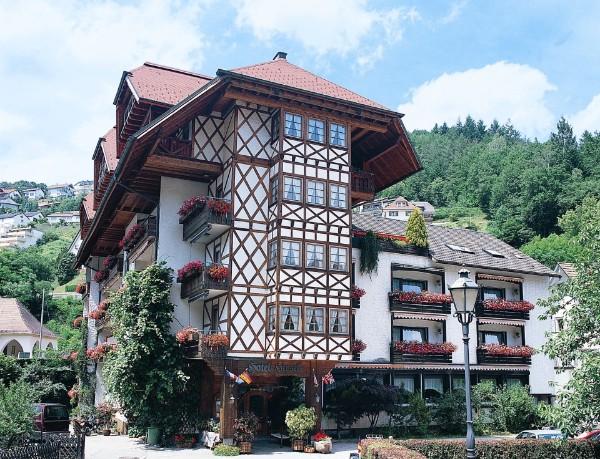 Hundefreundliches hotel im schwarzwald bonnie clyde for Design hotel schwarzwald